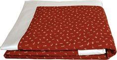 "Amazon.com: J-Life Authentic Traditional Japanese Kakefuton (Kakebuton) Silk-Filled Comforter - Single Size (66"" x 92"") - Sakura Navy: Home & Kitchen"