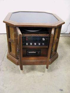 Magnavox Stereo in Cabinet Circa 1970