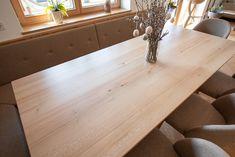 Ein Haus, in dem jeder gerne wohnen möchte » Haberl Türen Home Technology, Home Decor Kitchen, Entryway Tables, Dining Table, Furniture, Decorating Kitchen, Room Layouts, Windows And Doors, Dinner Table