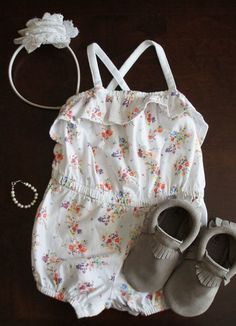 This cute outfit would be adorable for a day trip with the family in the Palace...