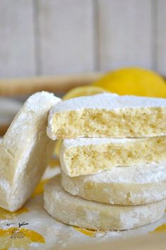 Cookies with a lot of Lemon- Galletas con mucho Limón Lemon Cookies Mexican Food Recipes, Sweet Recipes, Cookie Recipes, Dessert Recipes, Sponge Cake Recipes, Lemon Cookies, Cake Cookies, Fondant Cakes, Cupcake Cakes