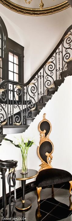 New Black Stairs Modern White Interiors Ideas Interior Stairs, Interior And Exterior, Interior Design, Stairs Architecture, Interior Architecture, Black Stair Railing, Black Stairs, Modern Foyer, House Stairs