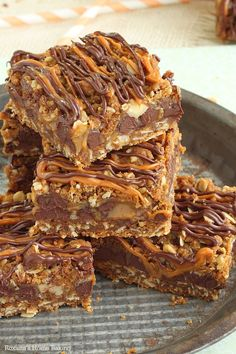 Carmelitas - caramel chocolate oatmeal bars recipe from Roxanashomebaking.com