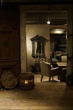 Merk en naam on pinterest showroom vans and rustic charm for Hoffz interieur