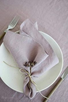 Dusty Pink Linen Napkins- Dusty Pink Linen Napkins Add a touch of elegance to your tablescape with pure stonewashed linens in dusty pink. Matching tablecloths, runners and placemats available! Linen Tablecloth, Linen Napkins, Cloth Napkins, Napkins Set, Table Linens, Rustic Napkins, Tablecloths, Wedding Napkin Folding, Wedding Napkins