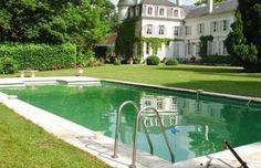 NotHotel has lots of great villas, like this one not too far from Paris.