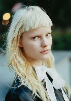 Blonde fringe