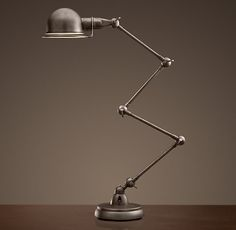 Atelier Scissor Task Table Lamp / Looks like a Jielde to me!!