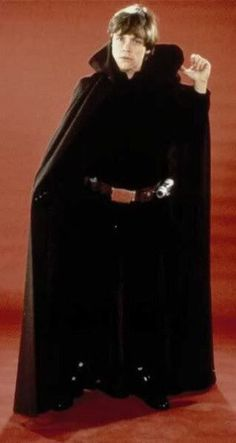 When someone says Luke Skywalker is the worst Star Wars character. Mark Hamill Luke Skywalker, Star Wars Luke Skywalker, Star Wars Cast, Star Wars Love, Star Wars Pictures, Star Wars Costumes, Jedi Knight, The Force Is Strong, Love Stars