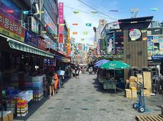 With each time I visit the thriving capital of South Korea, I uncover more of the stylish culture and vibrant atmosphere bursting from Seoul.
