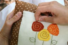 simple hand embroidered flower -no tute, just the pic