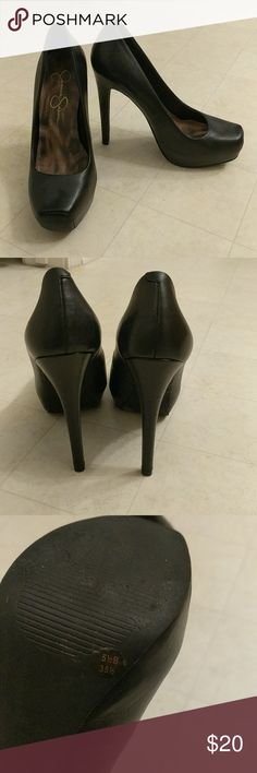 Jessica Simpson Heels Only worn once excellent condition Jessica Simpson Shoes Heels