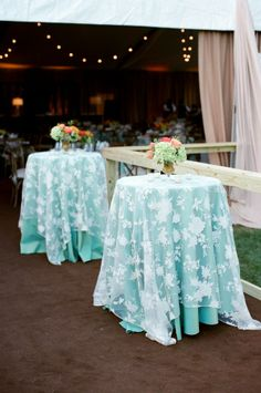 Turquoise Table Linen with Lace Overlay | Linens from Southern Events, Photo by Mary Rosenbaum #ringrentparty