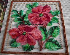 Blumen Bügelperlen / Flowers hama perler beads by Le plaisir du point de croix