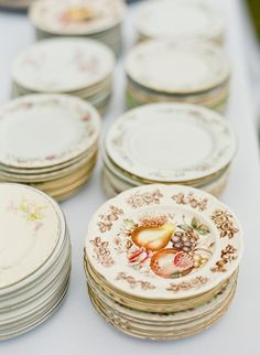vintage plates used to serve cake  Photography By / mandyphoto.net, Wedding Styling, Design   Production By / ginnyau.com