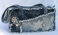 Denim and Lace Patchwork shoulder bag recy Denim And Lace, Artisanats Denim, Denim Purse, Jean Purses, Purses And Bags, Denim Handbags, Denim Ideas, Denim Crafts, Old Jeans