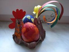 Wielkanocny kogucik z wytłoczek