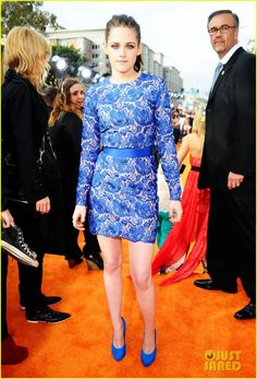 Kristen Stewart (looking awkward) in Stella McCartney. But i like the dress:)