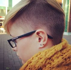 30 Chic Pixie Haircuts: Short Hairstyle for School Girl