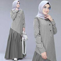 Batik Fashion, Abaya Fashion, Muslim Fashion, Fashion Dresses, Mode Abaya, Hijab Style, Casual Hijab Outfit, Hijab Fashion Inspiration, Muslim Dress