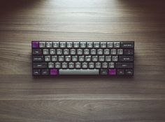 V60 with DSA Dolch and purple mods