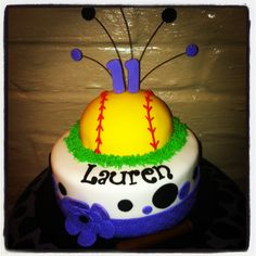 Softball cake I want this for my birthday. Just sayin.