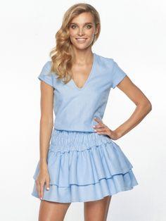 Sukienka Pearl w kolorze błękitnym
