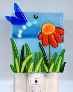 fused glass dragonfly hovering over flower and grass night light Broken Glass Art, Shattered Glass, Sea Glass Art, Glass Wall Art, Mosaic Glass, Window Glass, Smash Glass, Glass Art Pictures, Glass Art Design