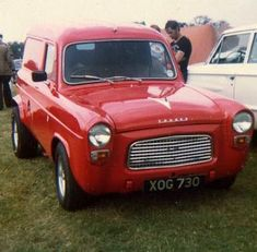 300E & 400E Ford Anglia, Old Lorries, Cool Old Cars, Day Van, Cool Vans, Old Fords, Vintage Vans, Hot Rides, Drag Racing