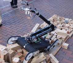 the breath-sensor: 1 of the 8 earthquake rescue robots featured in a popsci article