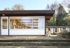 This house, designed by the architect Gresham Dodd in the late 1960s, can be found in a wonderfully secluded and tranquil spot on the edge of the sought-after village of Jordans in Buckinghamshire. The countryside location, however, belies the fact that the nearby Seer Green and Jordans station (a fifteen-minute walk from the house) links […]