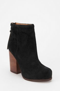 Let's get ready to rrrumble! #urbanoutfitters #jeffreycampbell #suede #rumble #boot