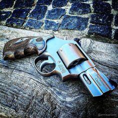 Manufacturer: Smith & Wesson Mod. 686 Performance Center Type - Tipo: Revolver Caliber - Calibre: 357 Magnum Capacity - Capacidade: 7 Rounds Barrel length - Comp.Cano: 2 ½ Weight - Peso: 980...