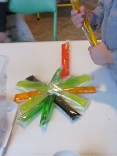 Making color stick designs from ice pops