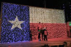 10 of the Best Places to Spend Christmas in Texas - There's nothing quite like Christmas in Texas. Here are 10 of the best towns to celebrate Christm - Texas Bucket List, Texas Forever, Lone Star State, Texas Travel, Stars At Night, Country Decor, Country Life, The Good Place, Places To Visit