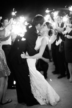 Classic Black and White Wedding Photography Ideas - Hunter McRae Photography #Wedding #ToHold