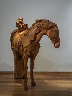 Paradigm - composite de fer - 153 cm - Catherine Thiry - Mu-inthecity.com #catherinethiry #sculpture #bronzesculpture #expo #sintmartenslatem