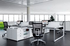 Vital Plus, a wide range of tables for work spaces