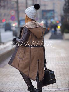 Купить Дубленка из тонкой овчины с кожаными деталями, капюшон трансформер. - куртка, куртка женская