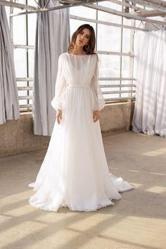 Organza Bridal, Wedding Dress Organza, Organza Dress, Wedding Dress Sleeves, Bridal Gowns, Gowns With Sleeves, Long Sleeve Wedding Dress Boho, Bridal Hijab, Chiffon Dress Long