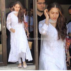 Kurta Designs, Kurti Designs Party Wear, Lehenga Designs, Pakistani Dresses, Indian Dresses, Indian Outfits, Indian Clothes, Indian Attire, Indian Wear