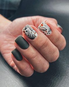 Nail art is a very popular trend these days and every woman you meet seems to have beautiful nails. It used to be that women would just go get a manicure or pedicure to get their nails trimmed and shaped with just a few coats of plain nail polish. Dope Nails, Fun Nails, Pretty Nails, Autumn Nails, Minimalist Nails, Nagel Gel, Dream Nails, Gel Nail Designs, Perfect Nails