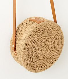 Discover thousands of images about Sac besace rond femme - marron Femmes Camaïeu Knitting Stiches, Baby Knitting, Crochet Teddy, Crochet Baby, Woven Beach Bags, Basket Bag, Crochet Purses, Knitted Bags, Bag Making