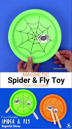Magnetic Spider and Fly Toy This Magnetic Spider and Fly Craft is creative, educational and fun! Make the cheeky spider and fly play chase around the web using the wonder of magnets! Halloween Arts And Crafts, Halloween Decorations For Kids, Halloween Crafts For Toddlers, Halloween Crafts For Kids, Crafts For Kids To Make, Christmas Crafts For Kids, Toddler Crafts, Preschool Crafts, Halloween Diy