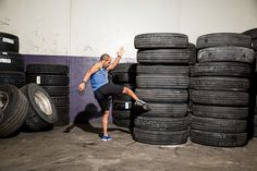 Fitness camionero: 3. Trabaja simultáneamente varios grupos musculares. Él da a los camioneros una lista de 32 ejercicios que pueden combinar para rutinas de cuerpo completo.
