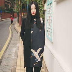 Black Ukiyo-E Vest Outerwear – stravaganzaria