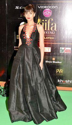 Aditi Rao Hydari on the #IIFARocks 2015 green carpet. #Bollywood #Fashion #Style #Beauty