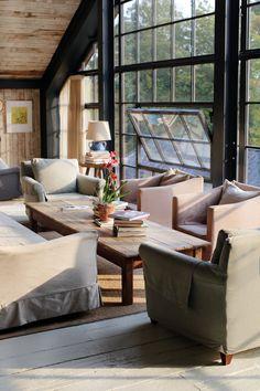A Sunny Morning in Comfy Farm Soho Farmhouse Interiors, Cottage Interiors, Rustic Interiors, Farmhouse Decor, Soho House, Living Area, Living Room Decor, Living Spaces, Edwardian Haus