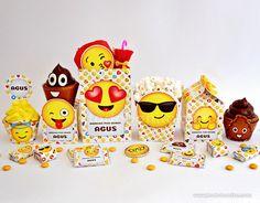 ¿Querés hacer la fiesta más divertida de todas? Con estos originales kits imprimibles de Emoticones, Emojis o Caritas la diversión está garantizada! Contiene muchas imágenes para sacarse fotos y decorar toda tu fiesta, envolver golosinas y preparar sorpresitas para los...