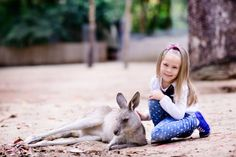 Fun family getaway for all creatures great & small in #Australia - kids are soon on holidays, book a #hotel, take a #roadtrip & visit these great animal friendly destinations!